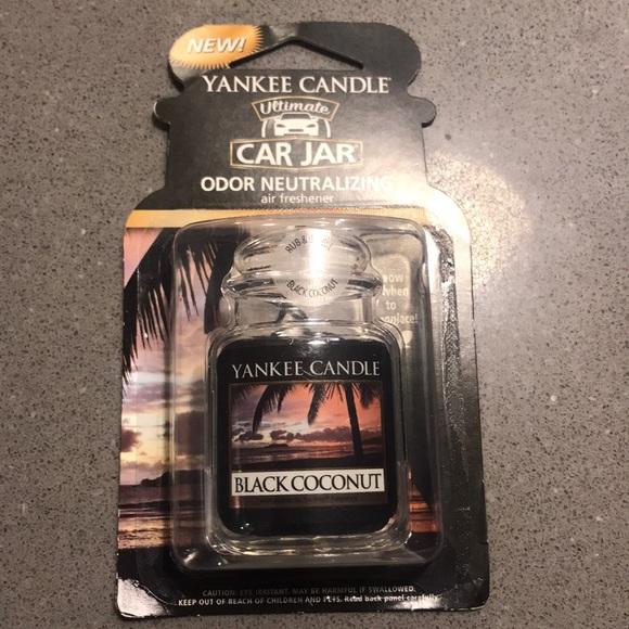 New yankee candle black coconut car jar